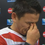 五郎丸歩奥さんと家族 ラグビー試合の謎のキックポーズと涙する画像