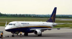 エンブラエル 旅客機 画像 写真