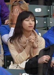 和田毅 仲根かすみ ツーショット写真 疲れた美人