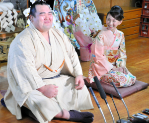 琴奨菊 奥さん 画像 ツーショット写真