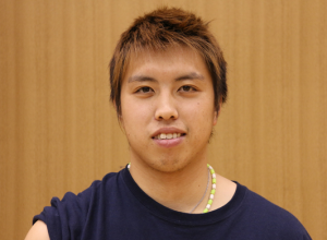 田児賢一 ブサイク顔写真