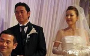 西川史子 旦那 結婚式 ウェディングドレス 画像